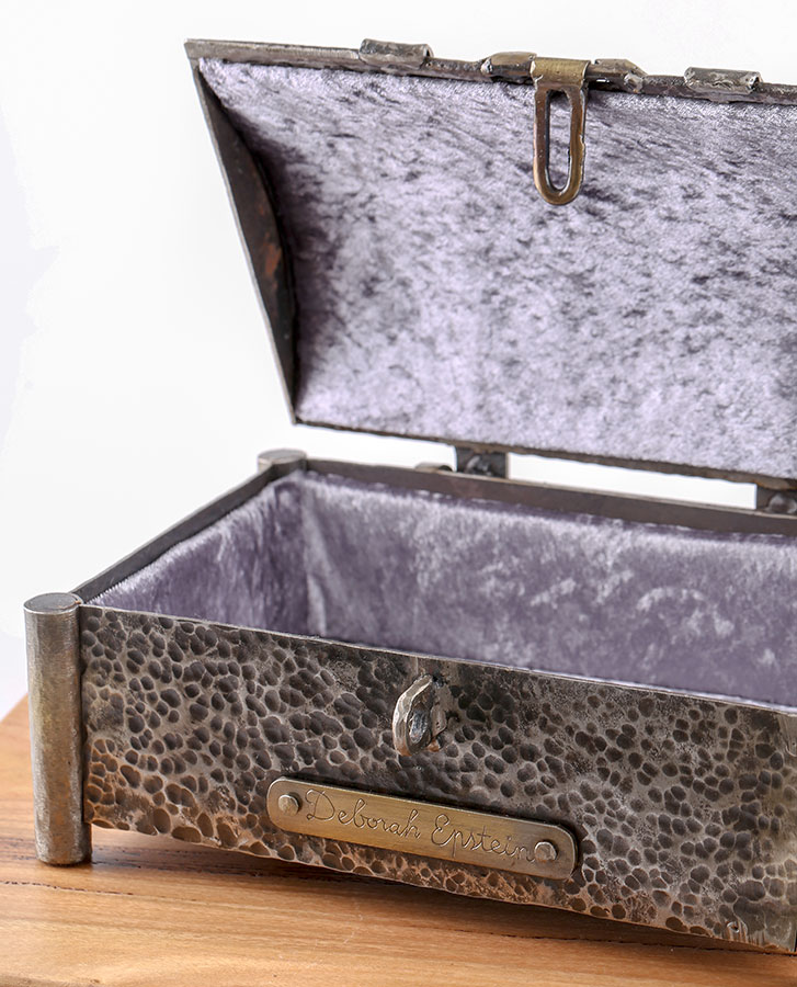 Casket Jewellery box - lined with soft fabric