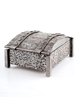 Casket style jewellery or treasure box