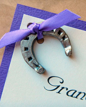 wrought iron mini horseshoe wedding decor